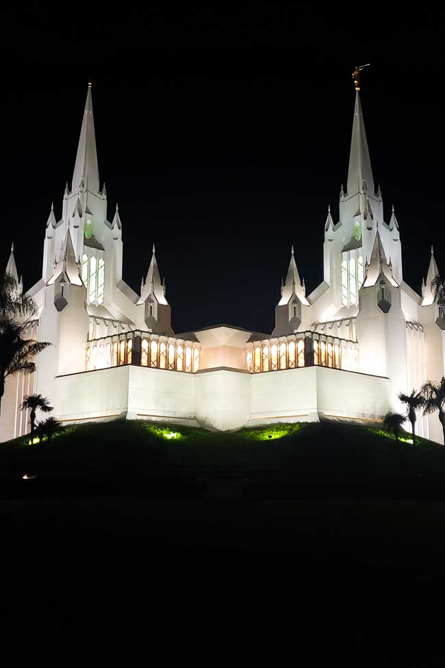 San Diego Temple at night